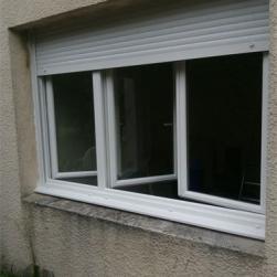 Fenêtre 3 vantaux avec volet roulant intégré