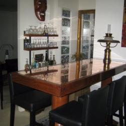 Table bar hêtre massif et cuivre